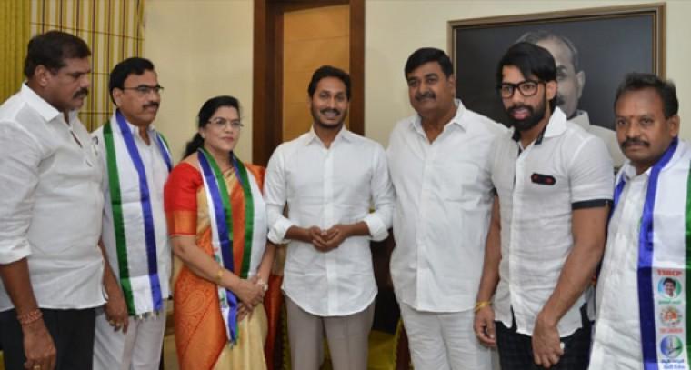 Killi Krupa Rani Joins YSR Congress from Congress