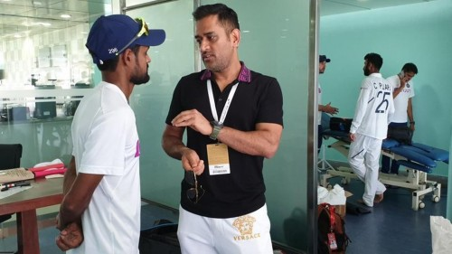 Dhoni joins team post SA series win in Ranchi