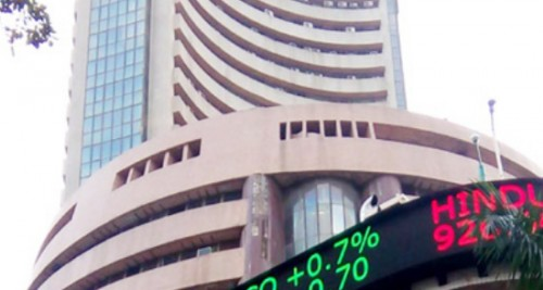 Easing crude prices lift Indian equity indices