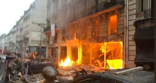 4 killed in gas explosion at Paris bakery