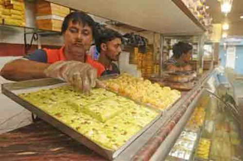 Bengal sweetmeat makers go on hunger-strike against GST