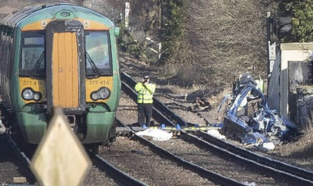 3 killed in London train accident