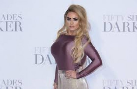 Katie Price in talks for 'Dancing On Ice'
