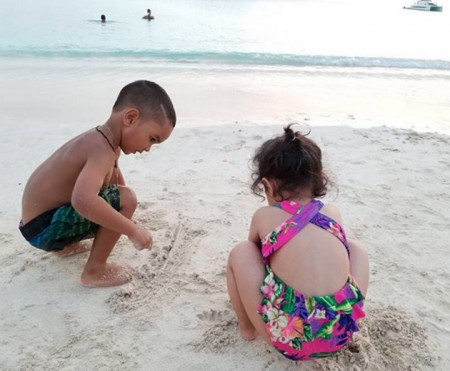 This photo of Ziva playing with Shikhar Dhawan's son