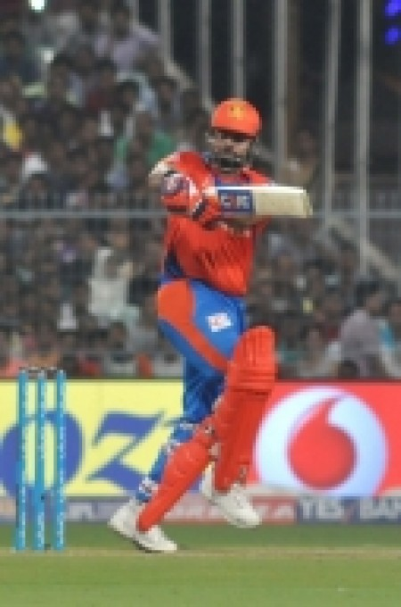 IPL: Raina's all-round heroics help Gujarat script win against Kolkata (Lead)