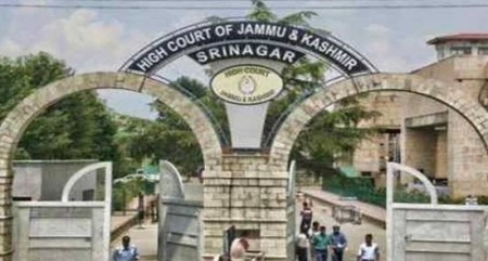 Didn't obstruct police from filing chargesheet in Kathua case: Jammu bar association