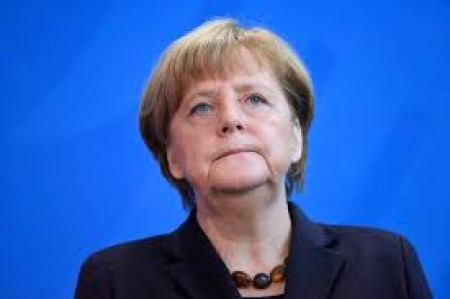 Merkel planning special EU summit on migrant crisis: Report