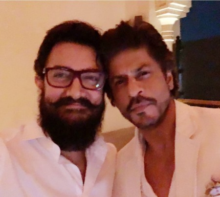 SRK and  Aamir Khan pose for a picture together for the first time in over two decades