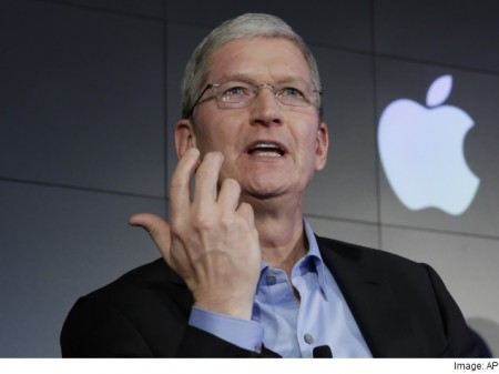 Tim Cook spotted testing Apple's glucose monitor